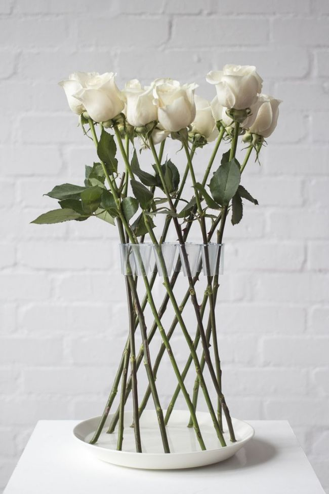 via Ellegee88 | White Roses in a Vase