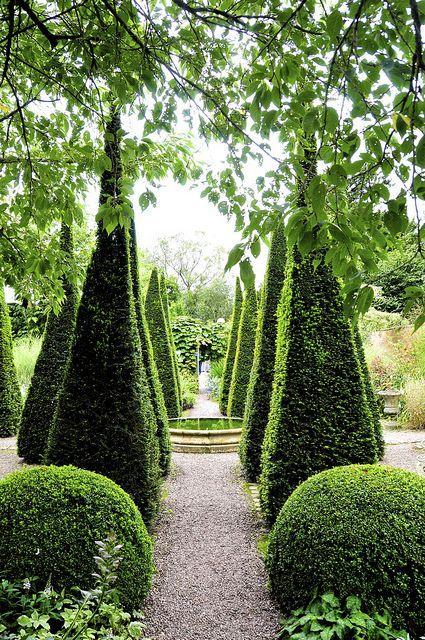 Garden Pathway | Stepfordprepster