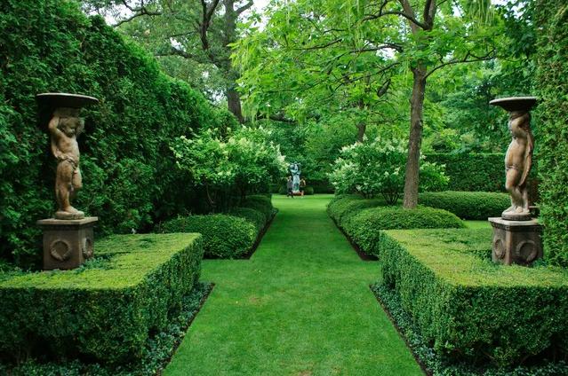 Garden Pathway | via Houzz