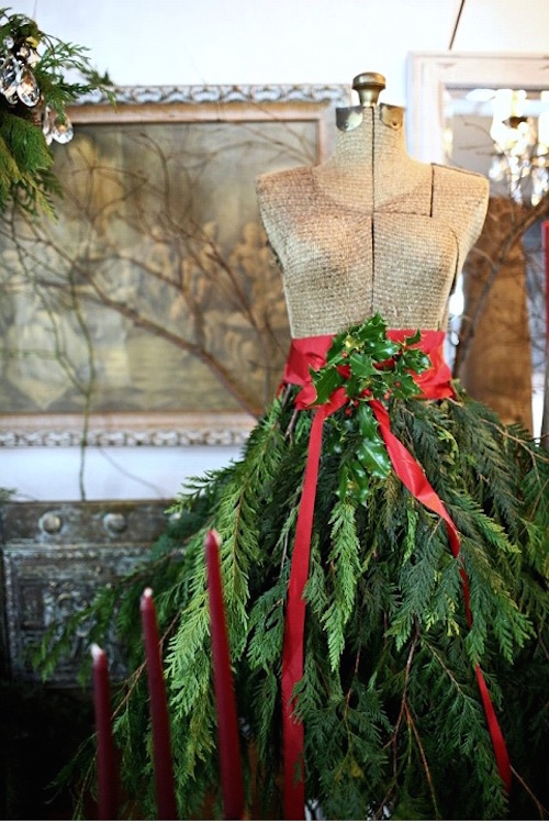 Boogie's Boutique - Holiday Decor Dress Form via Mannequinmadness